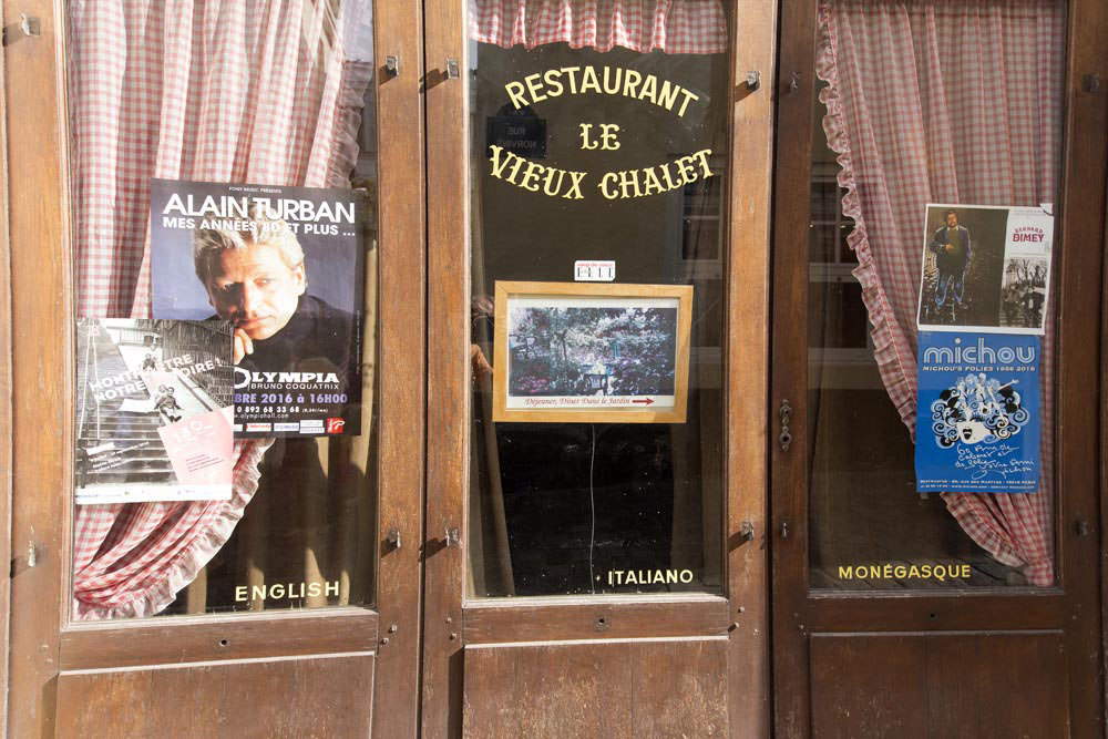 Paris farbe stephan gabriel for Restaurant le miroir montmartre